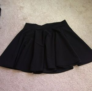 Dresses & Skirts - Short black skirt